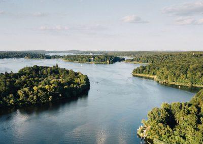 Seenlandschaft aus der Luft