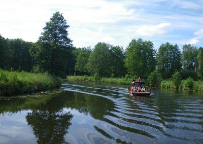 Floßfahrt in Kanal